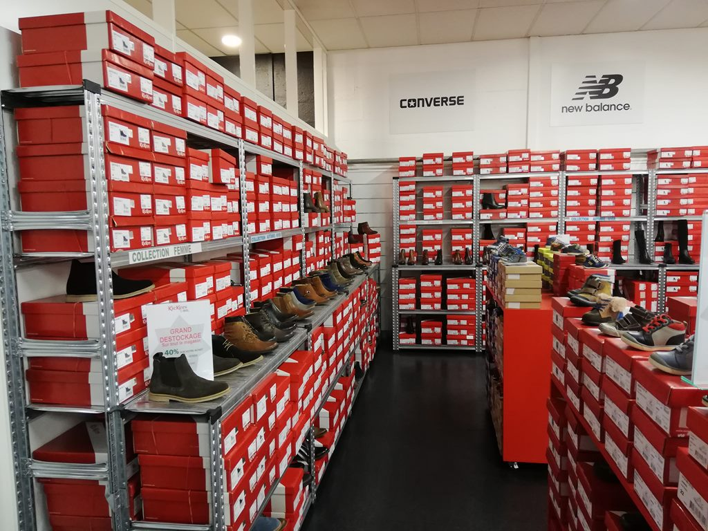 Rayonnage magasin chaussures