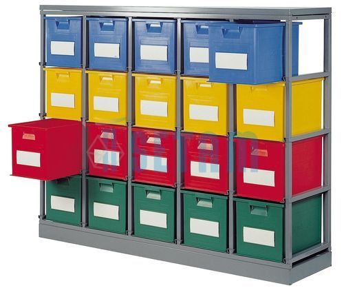 Rack stockage avec caisses